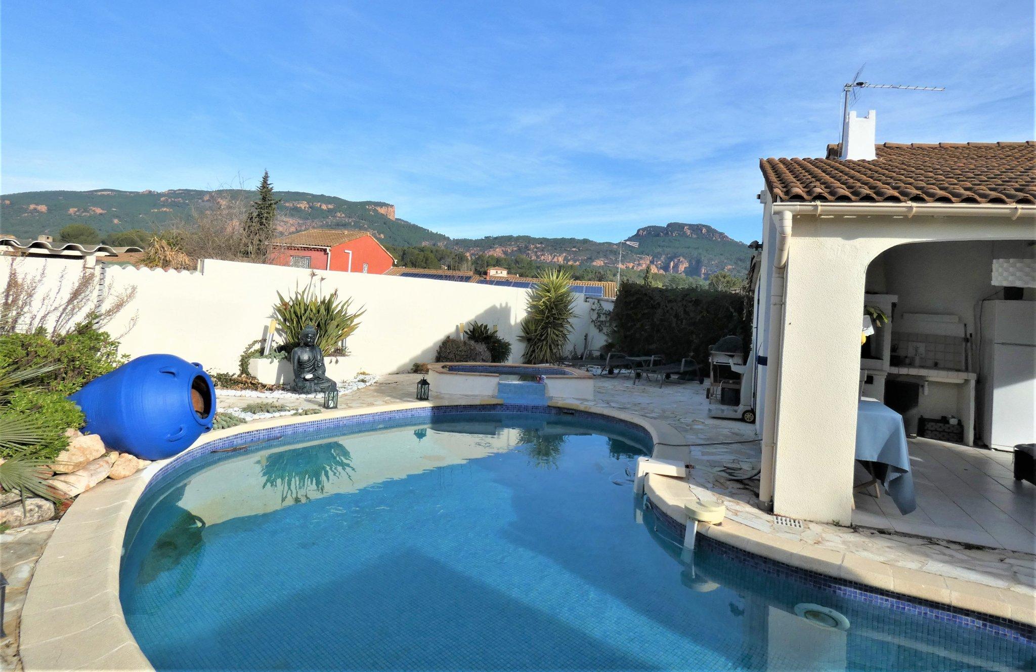 Maison-Villa - Roquebrune-sur-Argens